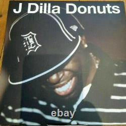 J Dilla Donuts Vinyl 7 inch box set rare deleted Jay Dee 45 RPM boxset 8 x 7 in