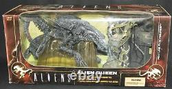 TOYS MOVIE MANIACS McFARLANE 06 ALIEN QUEEN / DELUXE BOXED SET 6 inch