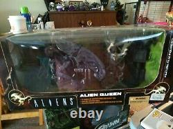 TOYS MOVIE MANIACS McFARLANE 06 ALIEN QUEEN DELUXE BOXED SET 6 inch